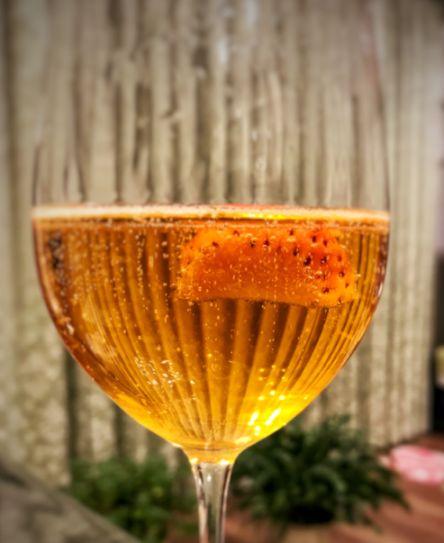 美味しいフルーツブランデーのスパークリングワイン割り
